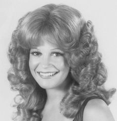 Lovely Curls in 2020 Roller Set Hairstyles, Permed Hairstyles, Retro Hairstyles, Big Curls For Long Hair, Big Hair, Short Hair, 1960s Hair, Bouffant Hair, Editorial Hair