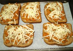 Quick and easy Chicken Pizza Toast is one of our favorite recipes to make for a busy weeknight dinner. Pizza Recipes, Seafood Recipes, Bread Recipes, Recipes Using Cooked Chicken, How To Cook Chicken, Toast Pizza, Chicken Pizza, Recipe Using, Food To Make