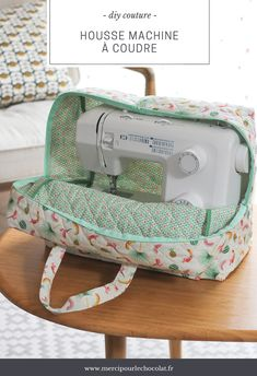 DIY - my Silvercrest Lidl sewing machine cover Coin Couture, Couture Sewing, Sewing Hacks, Sewing Tutorials, Sewing Crafts, Sewing Patterns, Sewing Tips, Dress Tutorials, Tatting Patterns