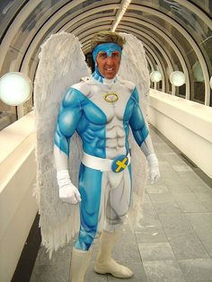 Archangel from X-Men cosplay! (Although he kind of looks like Nicolas Cage with X Men Costumes, Cool Costumes, Cosplay Costumes, Halloween Costumes, Epic Cosplay, Male Cosplay, Amazing Cosplay, Xmen Cosplay, Batgirl