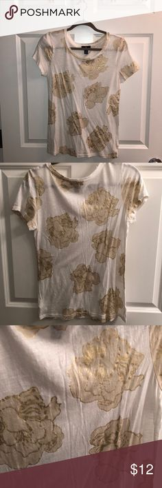 Gap Gold Foil Flower T-shirt Size Small Thank you for checking out my listing on this super cute Gold Foil Flowered T-shirt from Gap!  -Size Small - soft & light fabric - 60% Cotton / 40% modal - no stains, tears, smoke free home - Worn and washed once  - excellent used condition  Reasonable offers welcome! Bundle and save! GAP Tops Tees - Short Sleeve