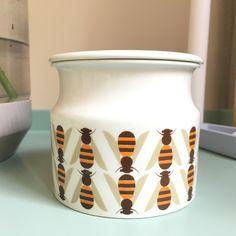 Arabia Pomona Honey Jar very pretty vintage design by Raija Uosikkinen for Arabia Finland. Amazing condition with lid by VintageDesignTreats on Etsy https://www.etsy.com/listing/387028100/arabia-pomona-honey-jar-very-pretty