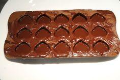 Bonbon készítés házilag Mousse, Lollipop Candy, Macaron, Biscuits, Food And Drink, Sweets, Homemade, Cookies, Baking