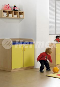 Aulas bebes on pinterest mesas and puertas for Muebles para guarderia