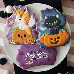 652 Likes, 104 Comments - Yellow Bowl Bakery Halloween Desserts, Halloween Cupcakes, Halloween Treats, Happy Halloween, Halloween Stuff, Cat Cookies, Sugar Cookies, Yellow Bowls, Unicorn Halloween