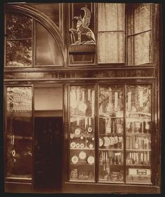 Au Griffon - 39 quai de lÕHorloge arr), (Parisian shop windows by Eugene Atget, Eugene Atget, Paris 1900, Old Paris, Old Street, Paris Street, Eastman House, Paris Vintage, Musee Carnavalet, Berenice Abbott