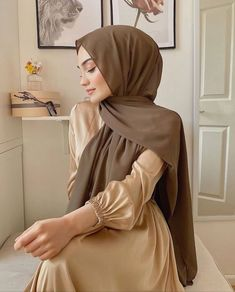 Modern Hijab Fashion, Hijab Fashion Inspiration, Abaya Fashion, Muslim Fashion, Modest Fashion Hijab, Grunge Fashion, Korean Fashion, Casual Hijab Outfit, Hijab Chic