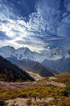 Manaslu Mountains . Nepal