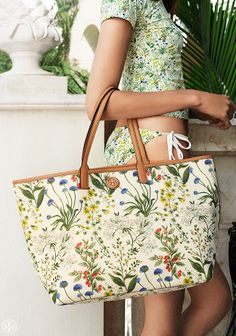 Flowers and water: earth meets sea in a single beach tote | Tory Burch Summer 2014