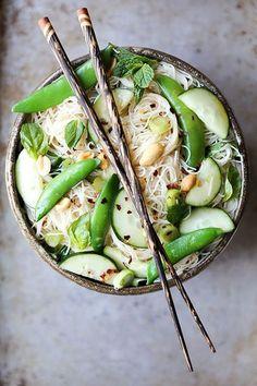 Crunchy Noodle Salad by floatingkitchen: Crisp vegetables, bright herbs and a light dressing made in less than 20 minutes. . . . . . der Blog für den Gentleman - www.thegentlemanclub.de/blog