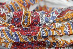 c808e88aa807 Très beau chèche en coton blanc et nature, un modèle intemporel pour homme  et pour