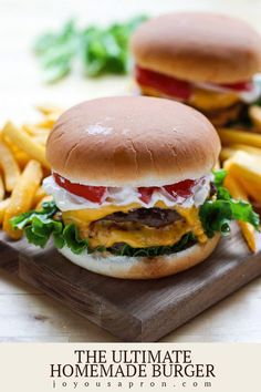 The Ultimate Homemade Burger Recipe - Easy and SO Flavorful! Ultimate Homemade Burger – A classic beef cheeseburger recipe that is flavorful and simple! Perfect for Memorial Day weekend or any summer cookout! Can be made on the grill or stove top. Hamburger Recipes, Beef Recipes, Cooking Recipes, Chicken Recipes, Cod Recipes, Ramen Recipes, Cheese Burger, Burger Food, Homemade Cheeseburgers