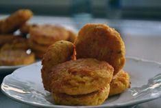 Fotorecept: Cicerovo-mrkvové placky Mozzarella, Baked Potato, Muffin, Potatoes, Baking, Breakfast, Ethnic Recipes, Food, Bread Making