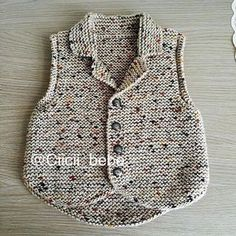 Knitted Baby Cardigan With Pocketunisex Baby Knitting Patterns, Knitting For Kids, Knitting Designs, Baby Patterns, Knitted Baby Cardigan, Knitted Baby Clothes, Baby Sweaters, Pulls, Baby Dress