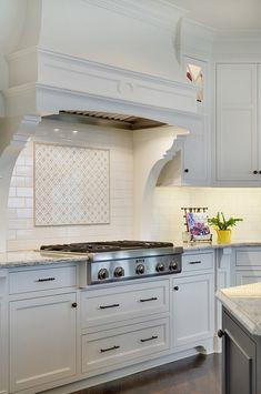 69 Trendy Kitchen Backsplash Tile With Dark Cabinets Benjamin Moore Kitchen Tile, Kitchen Redo, New Kitchen, Kitchen Remodel, Kitchen Cabinets, Dark Cabinets, Kitchen Ideas, Ideas Hogar, Cuisines Design