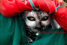 If all works out I will be donning a similar costume in Feburary -- Venice in 2013!! :)