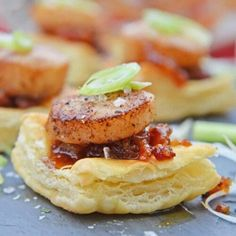 Bacon Jam Scallops are a play on classic bacon wrapped scallops, only using sweet and salty bacon jam with scallions and flaky puff pastry! Puff Pastry Appetizers, Quick Appetizers, Appetizer Ideas, Bacon Wrapped Scallops, Seared Scallops, Scallop Appetizer, Mexican Shrimp Cocktail, Bacon Jam, Scallop Recipes