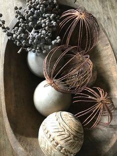 Zowel op Facebook , als op instagram zie de mooie roestige draad kerstballen van Hoffz voorbijkomen .    foto: Inge , my choice    En zoals ...