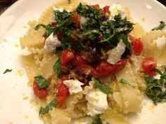 Sommerpasta  Freunde am Kochen Pasta, Risotto, Grains, Ethnic Recipes, Beautiful, Food, Tomatoes, Friends, Summer