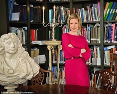 Lucy Worsley, English historian, author, curator and television presenter. Dr Lucy Worsley, Cozy Library, Bargain Hunt, I Love Lucy, Historian, How To Look Better, Singer, Reading Nooks, Google Search