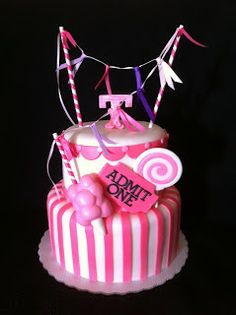 Hula Girl Cakes: March 2012