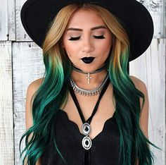 Amazing blonde to turquoise ombre