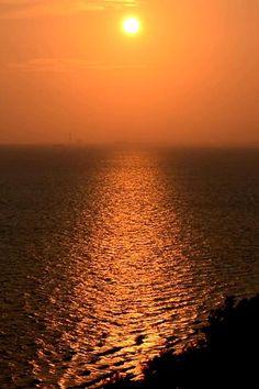 Instagram Captions Sunset, Sunset Quotes Instagram, Instagram Beach, Beach Sunset Quotes, Sunset Quotes Life, Caption For Sunset, Beach Sunset Photography, Aesthetic Photography Nature, Aesthetic Captions