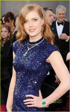 Amy Adams, 2011 Oscars, she didn't need to wear the necklace, it was too much.