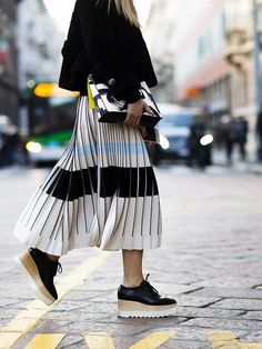 Love this outfit with pleated skirt and wedges