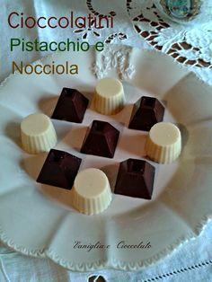 Yummy Treats, Yummy Food, Make Your Own Chocolate, Romanian Food, Mini Desserts, Chocolate Truffles, Fudge, Sweet Recipes, Food And Drink