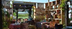 El restaurante Palenque es un espacio pop-up creado con motivo de la 43º edición del Torneo Internacional LandRover de Polo de Sotogrande (Málaga).