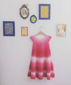 En original og gøyal topp/tunika/kjole med perler på bærestykket!