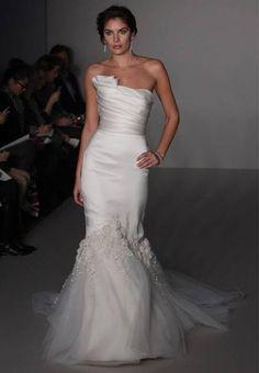 Wedding Dress of the Week: Alvina Valenta : Brides