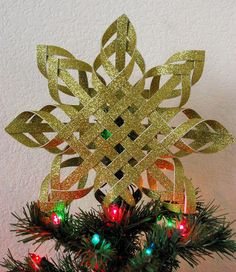 TristinandCompany: Day 8: Woven Star Tree Toppers with Heidi of Mom's Crafty Space