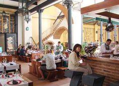 La Imprenta es un singular restaurante ubicado en lo que fuera la imprenta La Habanera durante el siglo XIX y uno de nuestros lugares favoritos para almorzar en La Habana Vieja.