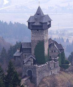 Niederfalkenstein (Falkenstein Castle), Pfaffenberg 19, 9821 Obervellach, Carinthia, Austria