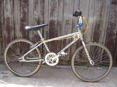 Mongoose Index Freestyle Bike - Silver Vintage Bmx Bikes, Vintage Cycles, Cycling Art, Cycling Bikes, Cycling Quotes, Cycling Jerseys, Diamondback Bmx, 24 Bmx, Black Bmx