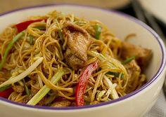 Auténticos Fideos Chinos Fritos (Chow mein de Pollo)