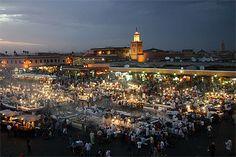 #Marrakech #Maroc  Place publique mythique de la Médina.Ce haut-lieu attire plus d'un million de visiteurs par an.