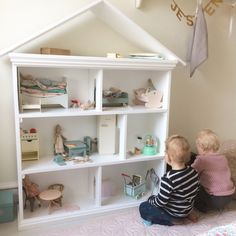 Some years ago i had my husband build this bunnyhouse for our daughter. He isn't a carpenter, but I still think he did an amazing job. And kept it simple. Ive had lots of questions from my re…