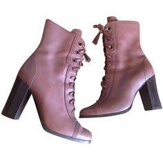 Pre-owned Miu Miu Heeled Lace-up Brown Leather Boots (6.730 UYU) ❤ liked on Polyvore featuring shoes, boots, ankle booties, brown leather, brown booties, lace up ankle booties, laced booties, brown leather booties and lace up boots
