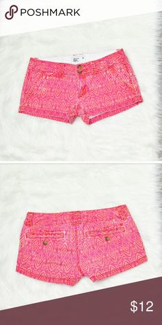 American Eagle Pink Printed Shorts In excellent condition! Very comfortable, stretchy, and soft! Buy 3 items and get 1 free plus 15% off your purchase total! American Eagle Outfitters Shorts Jean Shorts