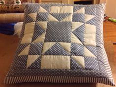 Cushion Quilt Square Patterns, Pattern Blocks, Square Quilt, Patchwork Pillow, Quilted Pillow, Quilting Projects, Sewing Projects, Painted Barn Quilts, Star Quilt Blocks