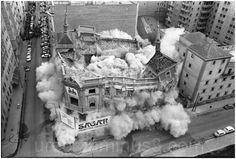 """[b]Demolición del edificio del """"Diario Madrid"""" (donde Urech trabajó 30 años) en 1973. Foto: Gabriel Carvajal, reportero gráfico del diario Ya.[/b] [i]Demolition of the building of the """"Madrid Journal"""" (where Urech worked 30 years) in 1973. Photo: Gabriel Carvajal, photojournalist of Ya newspaper.[/i]"""