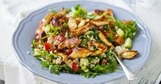 Quinoa salad with chicken and raw vegetables: www.fourchette-et - DIY - Quinoa Harissa Chicken, Chicken Quinoa Salad, Quinoa Salad Recipes, Salad Dressing Recipes, Clean Eating, Healthy Eating, Raw Vegetables, Heart Healthy Recipes, How To Cook Quinoa