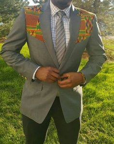 Classic blazer for the dapper gent. Pop the collar and it transforms into another blazer style, so you're getting 2 blazers for the price of one. US Size EU Size Letter Size 34 44 S 36 46 38 48 M 40 50 42 52 L 44 54 48 58 XL 50 60 XXL African Inspired Fashion, African Print Fashion, Africa Fashion, Blazer Fashion, Grey Fashion, Suit Fashion, Fashion Clothes, Mens Fashion, African Attire