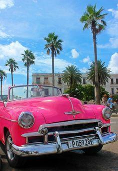 Classic cars of Cuba Havana Nights Theme, Cuban Cars, Viva Cuba, Old American Cars, Cuban Culture, Nostalgia, Chevrolet Bel Air, Havana Cuba, Gulf Of Mexico
