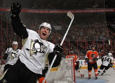 James Neal after scoring against the Philadelphia Flyers in the 2012 Stanley Cup Playoffs. Stanley Cup Playoffs, Stanley Cup Champions, Pittsburgh Sports, Pittsburgh Penguins Hockey, Hockey Goal, Hockey Baby, All About Penguins, Pens Hockey, Lets Go Pens