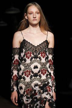 Erdem Spring 2016 Ready-to-Wear Fashion Show Details