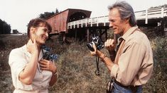 Directed by Clint Eastwood. With Clint Eastwood, Meryl Streep, Annie Corley, Victor Slezak. Photographer Robert Kincaid (Clint Eastwood) wanders into the life of housewife Francesca Johnson (Meryl Streep) for four days in the Beau Film, Movie List, Movie Stars, Movie Tv, Movie Photo, Clint Eastwood Meryl Streep, Grace Gummer, Meryl Streep Movies, Best Romantic Movies